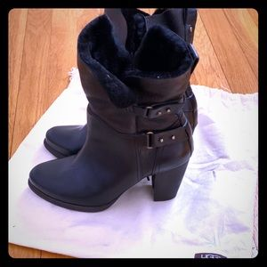 Beautiful UGG ankle boots size U.S 7
